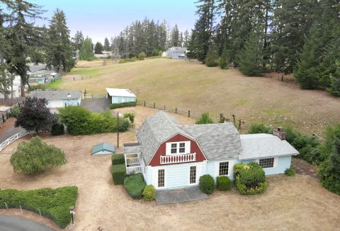 Farm House in Spanaway